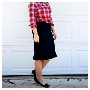 Pleated ruffle trim pencil skirt